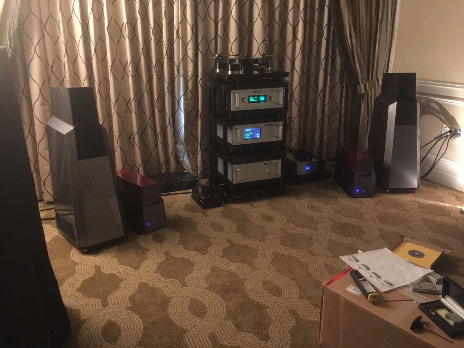 Model seven mk ii debut best in show ces 2015 vandersteen audio very gratified to report that the model seven mk ii debuted at ces 2015 and was recognized as best of show by marc mickelson and paul bolin at the audio sciox Image collections